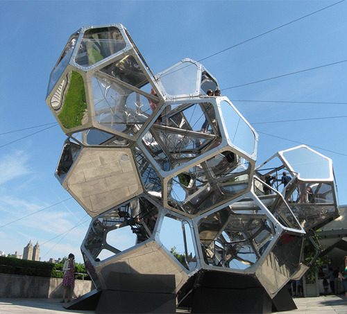 (via Cloud Cities by Tomás Saraceno | Design Milk)