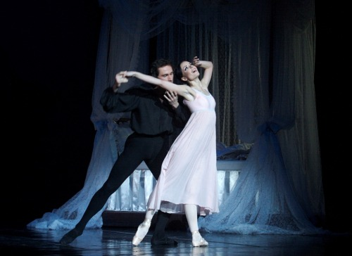 thedailyballet:  Ojciech Ślęzak and Marta Fiedler in Onegin. Photo (c) Juliusz Multarzynski.