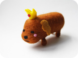 Needle felted Hot Dog Princess! I finished her up today, she was so much fun to make — I couldn't resist giving her some pink cheeks :)