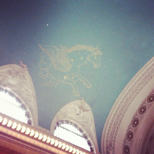 Decided to be a tourist today #GrandCentral #Pegasus #nyc  (Taken with Instagram)