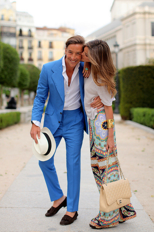 suburbly-chic:  Cute & fashionable couple - love her skirt! oalfaiatelisboeta.blogspot.ro