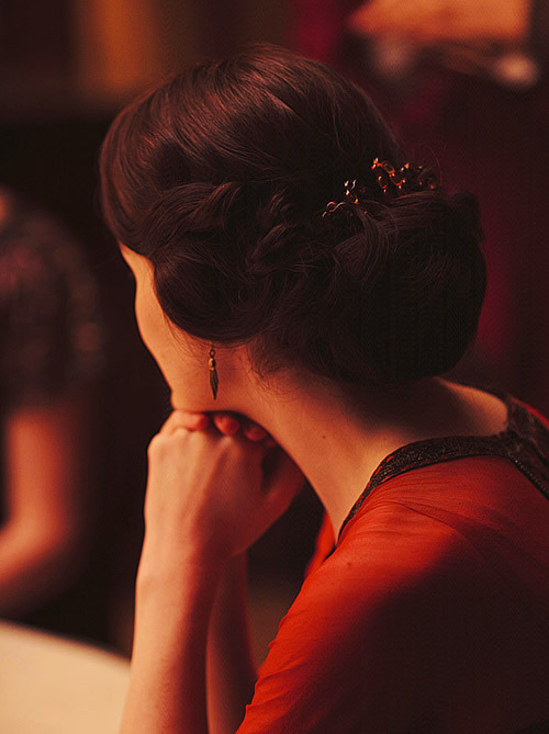01/ 10 photos - Lady Mary Crawley