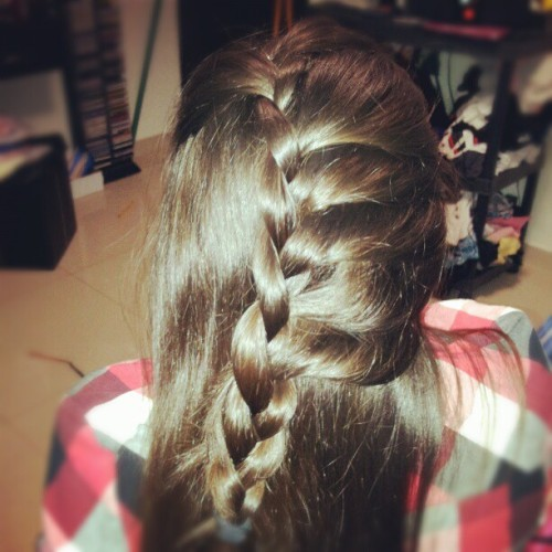 Braid. #hairstyle #bride #fashion (Tomada con Instagram)