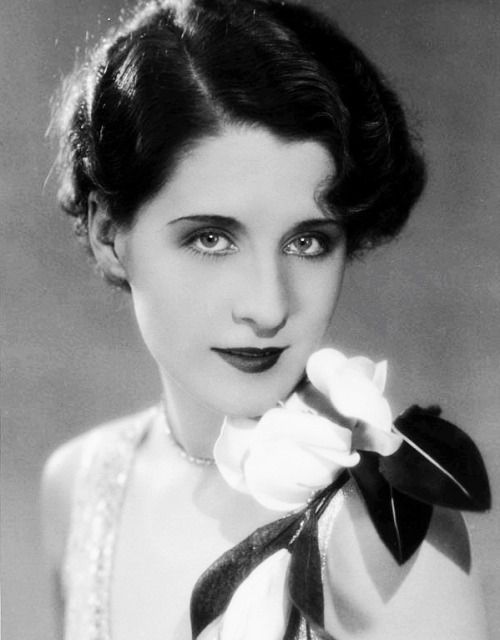 lucynic83:  Norma Shearer photographed by Ruth Harriet Louise