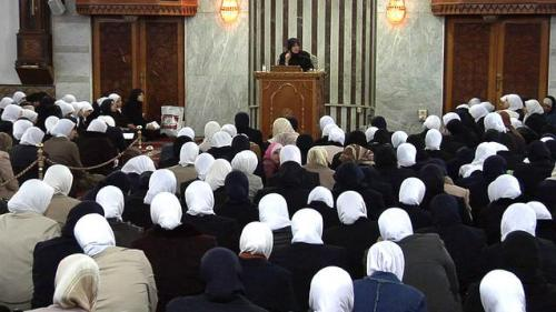 partytilfajr:  Female students, studying to become Islamic scholars, listen to a lecture at Abu Noor University in Syria in 2007.