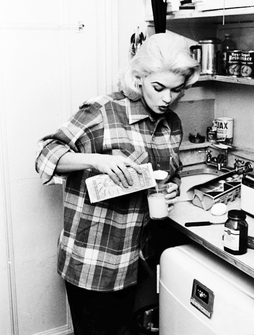 Jayne Mansfield at home, photographed by Peter Stackpole, 1956