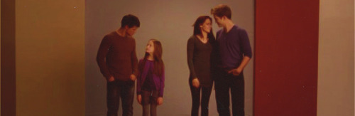 Look at the 2 happy couples! Love is in the air!  Oh, Stephenie Meyer you sick, sick woman, you…