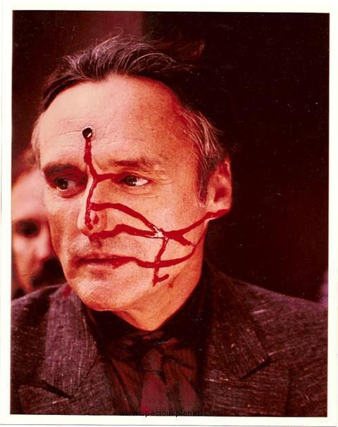 tarkowski:  Dennis Hopper on the set of Blue Velvet