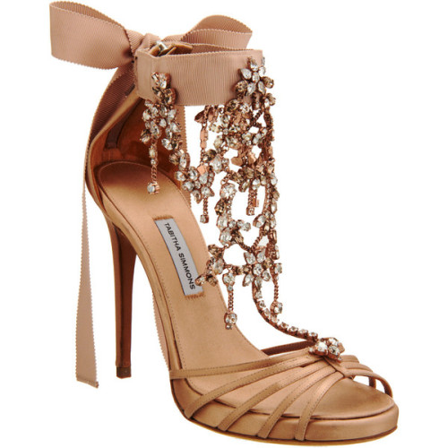 theroyalcloset:  Tabitha Simmons sandals