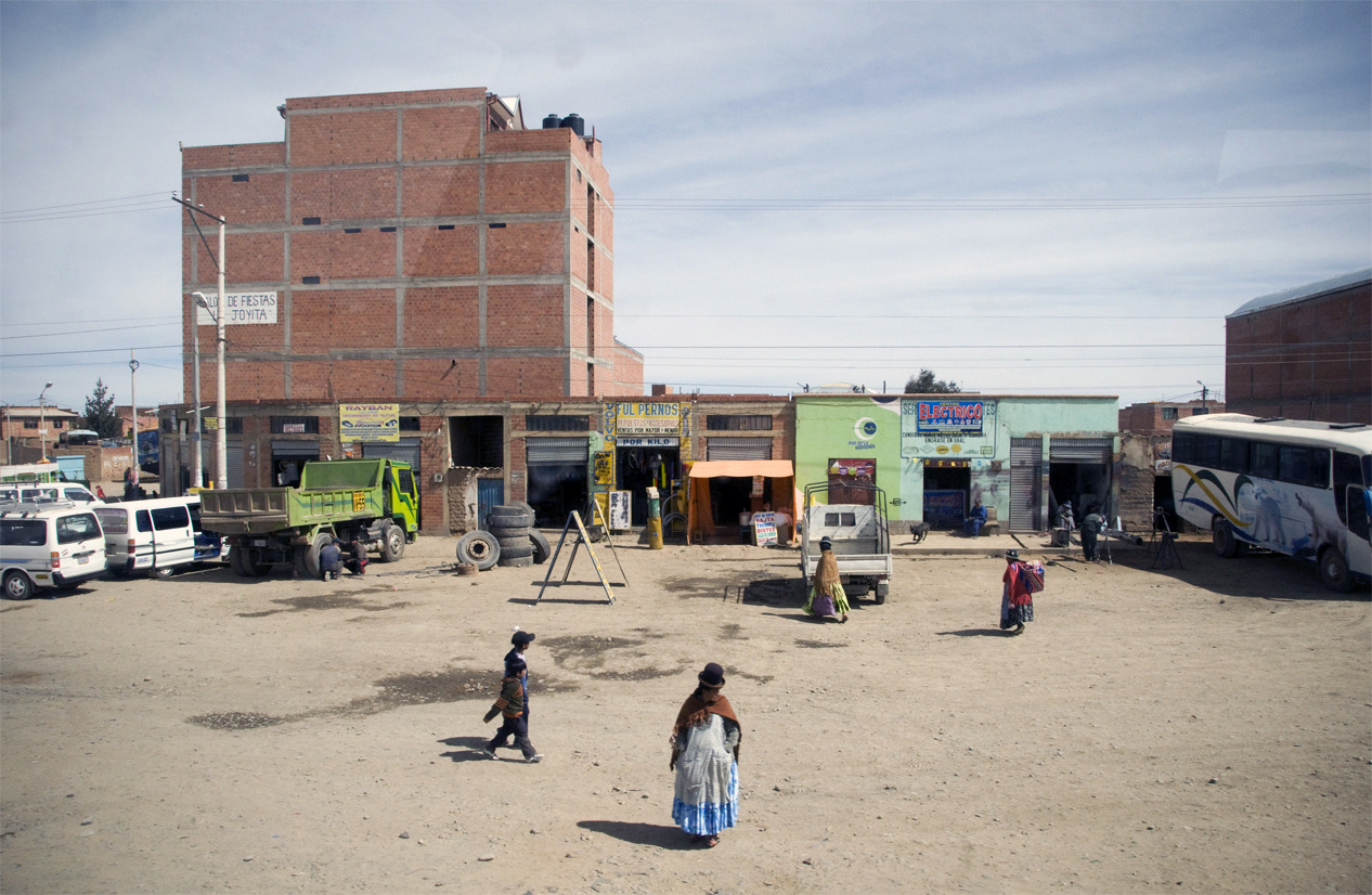 The empty space above El Alto, Bolivia - © Diego Cupolo 2012