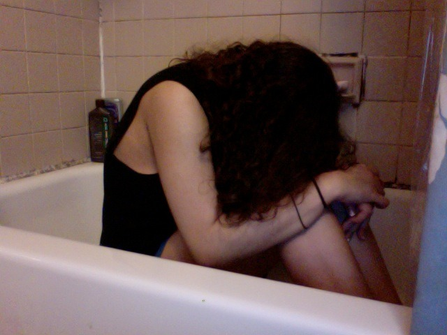 i hate life im so bored so i will sit in my bathtub and continue to hate life
