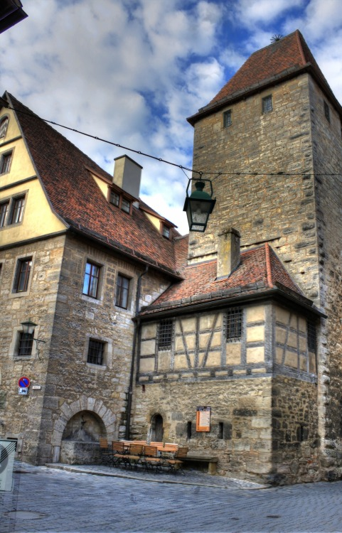 spent two days in rothenburg, bavaria. here are ten shots, some in hdr and some straight off the camera.