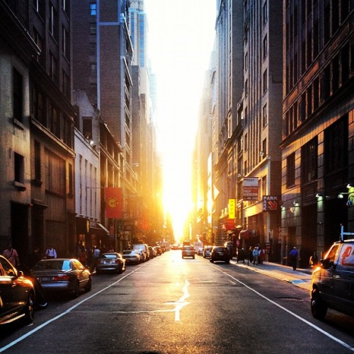 talkingschmidt:  Manhattanhenge-y (Taken with Instagram)