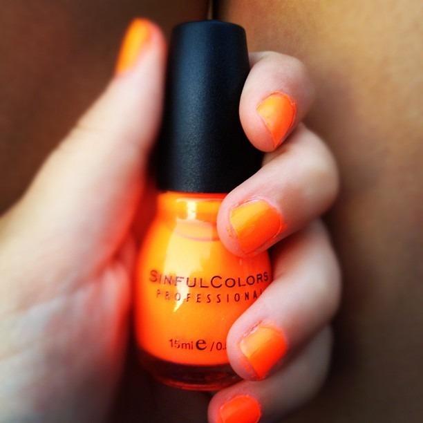 #orange #nailpolish #nail #polish #neon #orange #black #sinful #colors #professional #summer #june #hot #sexy #damn #follow #for #follow4follow #shoutout #likeforlike #likethis #likethisshit  (Taken with Instagram)