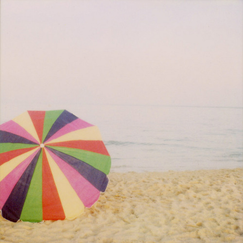 thedaintysquid:  umbreLLa by IrenaS on Flickr.