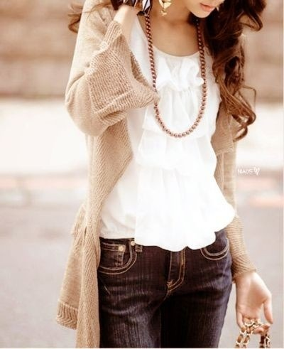 Ruffles + Denim ~ lovely. (littleemmaenglishhome.blogspot.com)