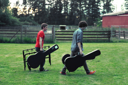 Guitar+people+background=HARMONY…  .