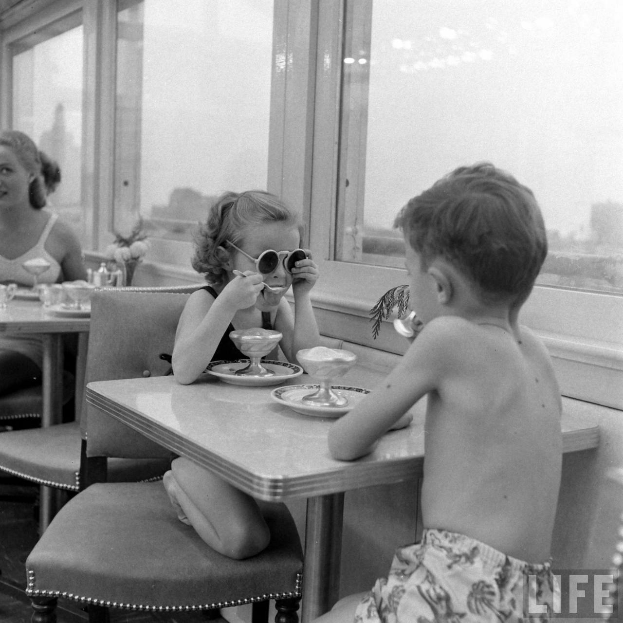 Roof sunlamps, Senator Hotel. Atlantic City, 1948. By Nina Leen