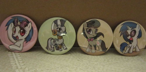 master-steal:  lovetomorrowlove:  Vinyl Scratch, Zecora, and Octavia buttons!  I want!!!!!!