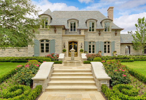 georgianadesign:  Dallas residence via Harold Leidner Landscape Architects.