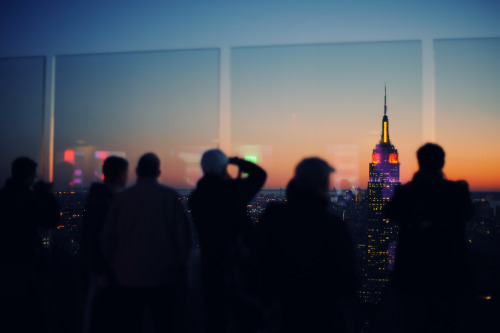 tel0s:  empire state building (by Ralph Hockens)