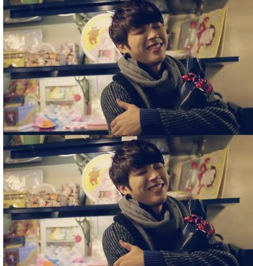 Which one of you Inspirits` wanna end in his arms'? I DO! lmbo~  Reblog\Like Love it! _Nam WooHyun