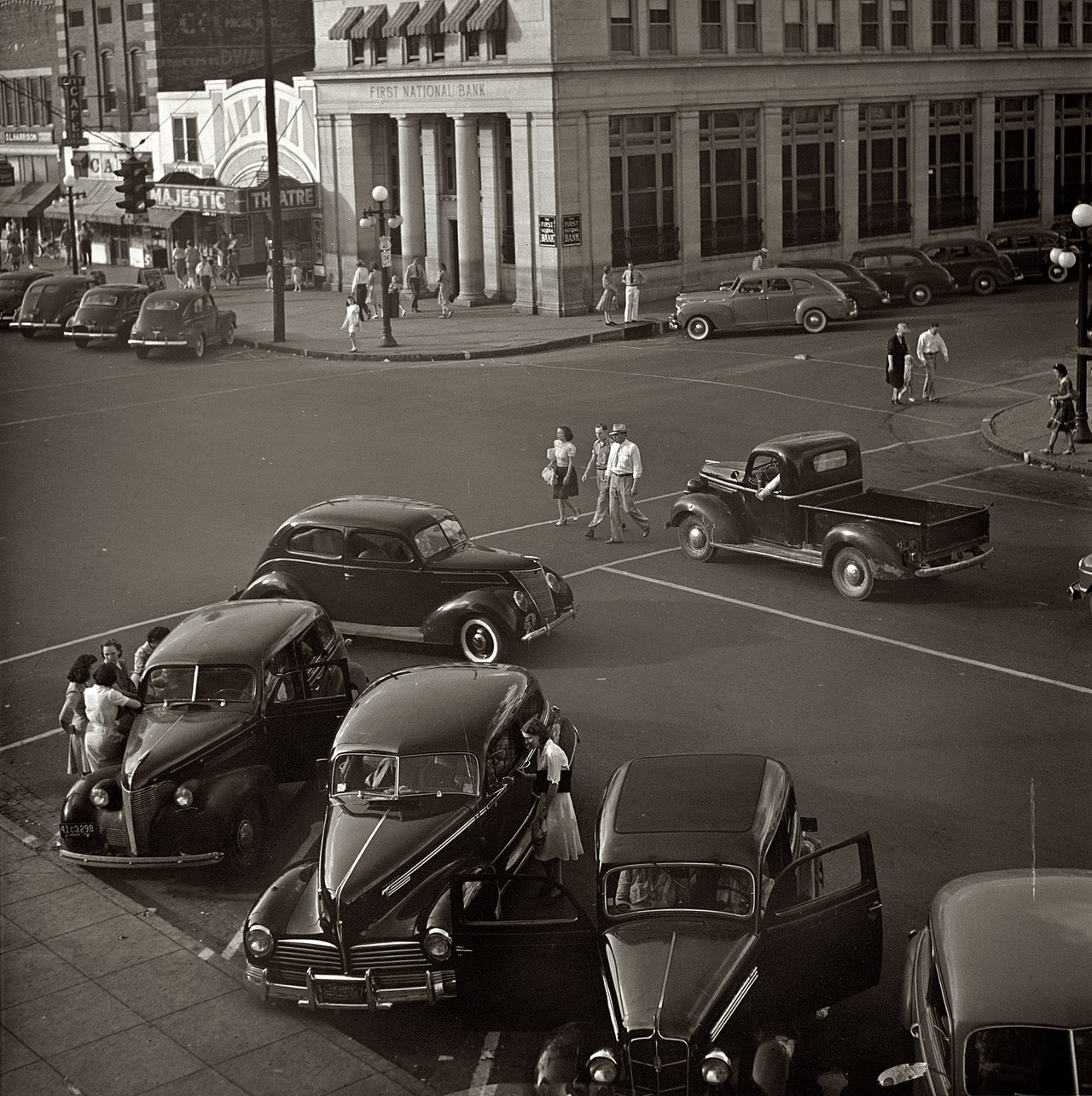 Saturday afternoon in Florence, Alabama, 1942. By Arthur Rothstein