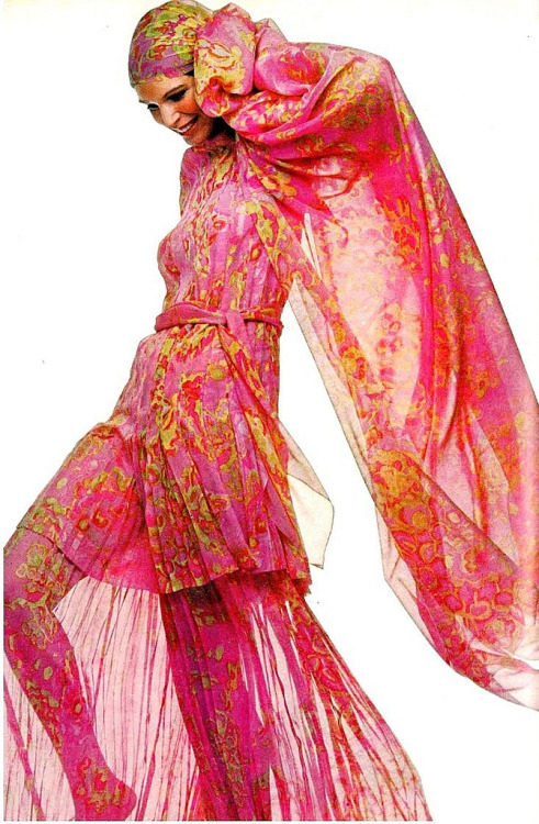 Ann Turkel wearing a pink chiffon tunic for Vogue US, April 1970. Photo by Penati.