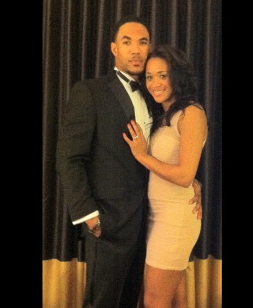 IN COUPLES NEWS: NFL baller Devin Thomas made his longtime girlfriend,Portia Pryor, an even happier woman …CONGRATS!!!