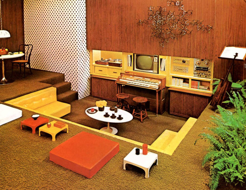 superseventies:  1970s interior design - media pit.