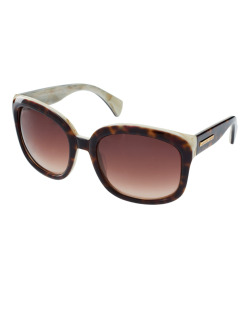 Alexander McQueen Two Tone SunglassesMore photos & another fashion brands: bit.ly/J4qULv