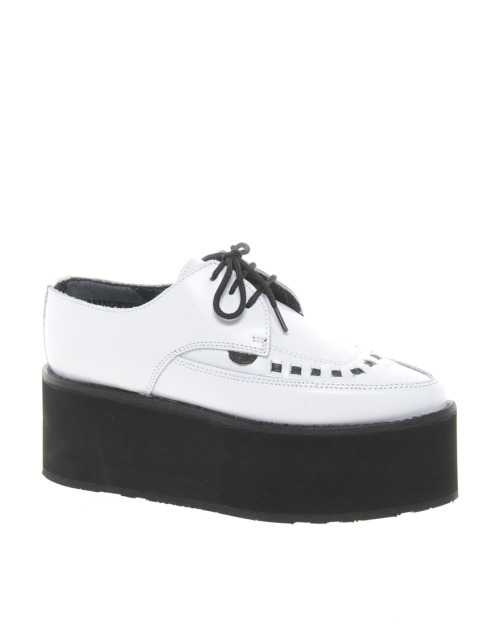 Underground White Pointed Triple Sole CreepersMore photos & another fashion brands: bit.ly/JhdPoz