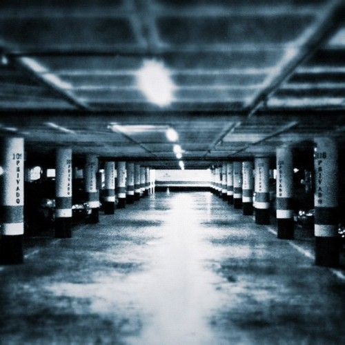 Garage (tomada con Instagram en Parking La Puntilla)