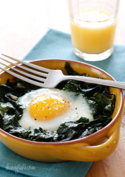notanotherhealthyfoodblog:  Baked Eggs with Wilted Baby Spinach: Servings: 4 • Calories: 152.5  click photo for recipe