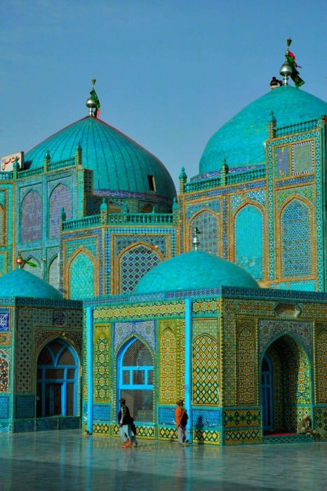 youreacunt:  The Shrine of Hazrat Ali aka Blue Mosque in Mazār-e Sharīf, Afghanistan