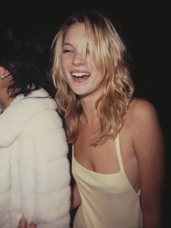 suicideblonde:  Kate Moss