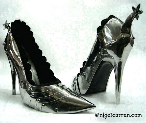 annadoll2001:  Spurred armoured shoes - Nigel Carren