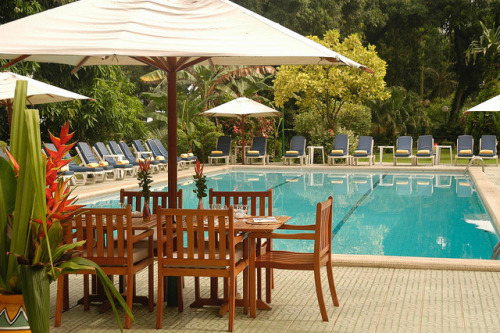 Le Meridien Douala—Lunch Around the Pool - 10mb - 10in x 6.7in @ 300dpi by LeMeridien Hotels and Resorts on Flickr.