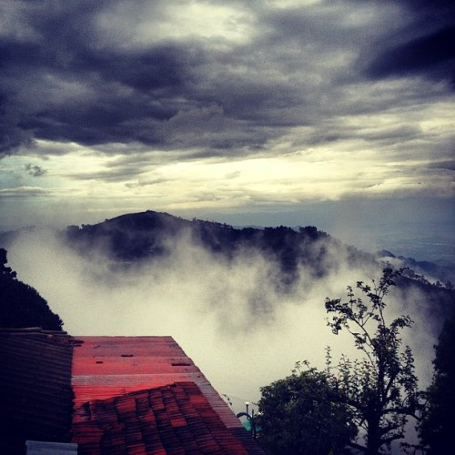 Sunset, cloudset. Go. #kodaikanal #india #travel #picoftheday #photooftheday #instagrammers #instaoftheday #rains  (Taken with Instagram)