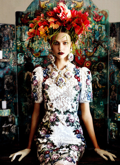 thecysight:  US VOGUE JULY 2012  Karlie Kloss by Mario Testino