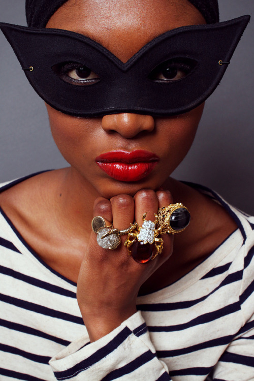 blackfashion:  snowblackblog Red lips