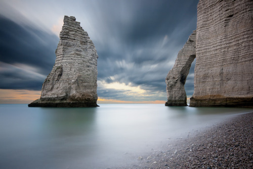 theworldwelivein:  Natures carvings | Étretat, Haute-Normandie, France© Coco Carrigan
