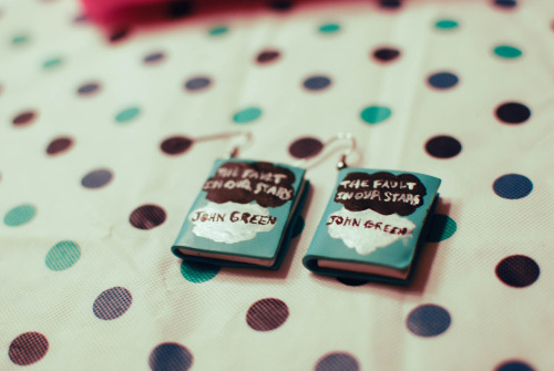 craftycraftsbyshanamana:  The Fault in Our Stars earrings! Available here: http://www.etsy.com/shop/shannonslatts