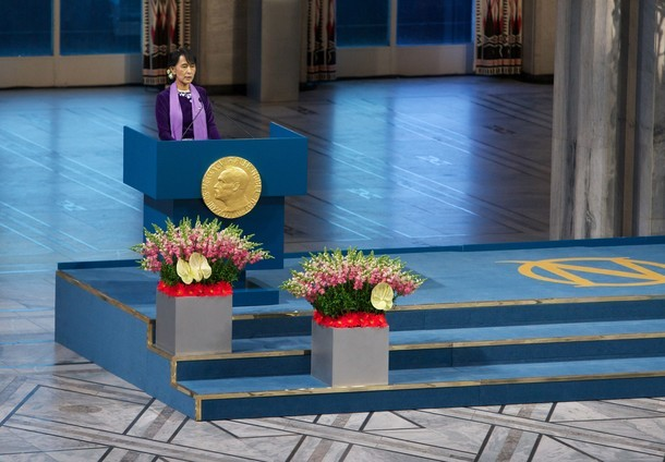 robofillet:   Nobel Laureate Aung San Suu Kyi speaks during a Nobel lecture at Oslo City Hall on June 16, 2012 in Oslo, Norway. Aung San Suu Kyi was awarded the Nobel Peace Price in 1991 but after being kept under house arrest for most of the past 24 years has not had a chance to receive it until now.  So proud.