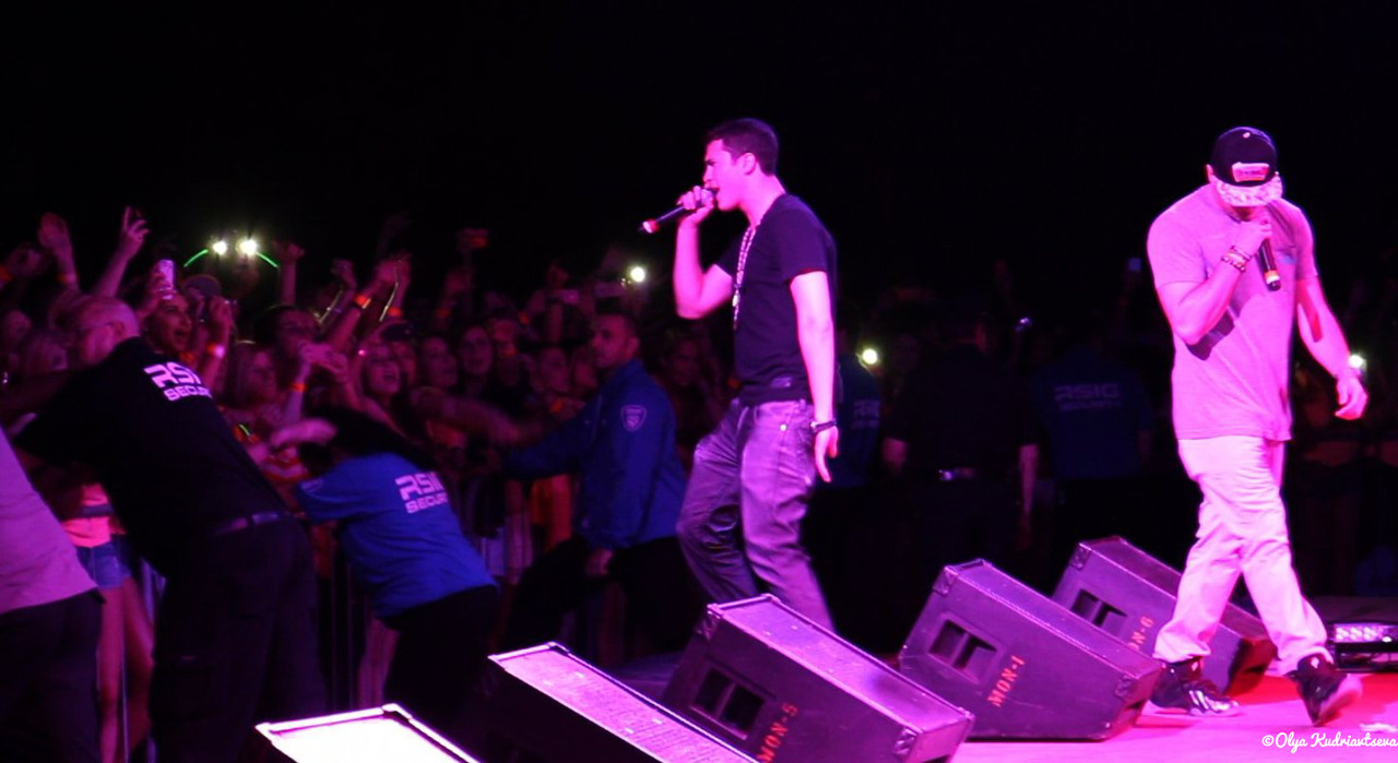 thisistimeflies:  quick vid snapshot from last night. what up Mike Stud!