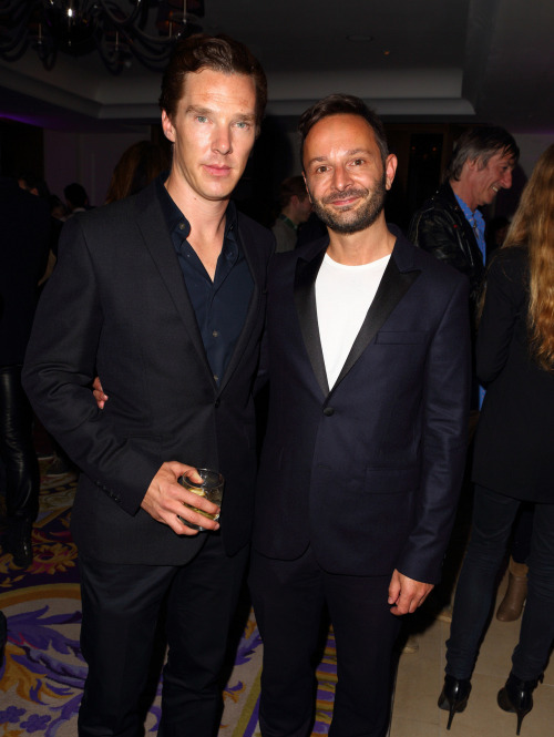 londonphile:  Source for 1540 x 2048  Benedict Cumberbatch & Jeremy Langmead   Also lurking in the back  http://www.flickr.com/photos/52520693@N02/7379309272/sizes/k/in/set-72157630144434012/