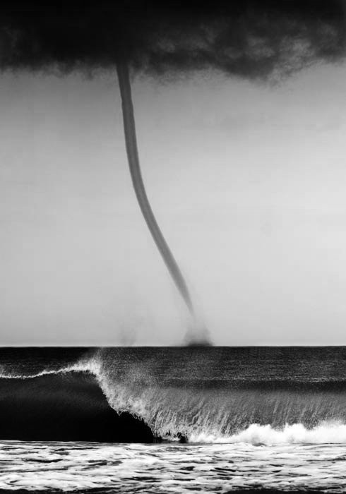 vvolare:  Tornado at Sea