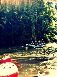 vanillaandwatermelons:  White water rafting at Ayung River
