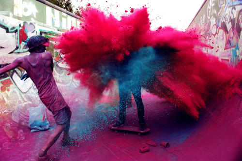 kaliem:  Skate With Color - In Berlin, Germany  looks like the holi festival in india! o.O