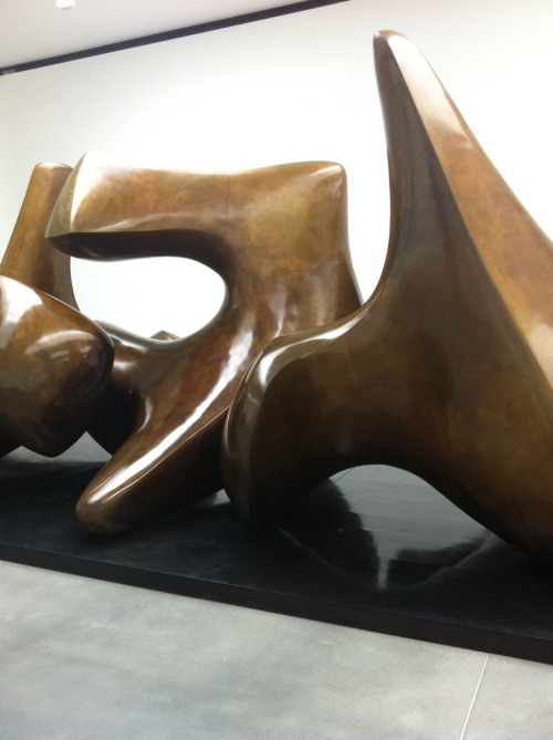 "gqfashion:  ""The Henry Moore show at Gagosian in London is spectacular!!"" - MW  Makes me want to go to the Nelson. REALLY badly."